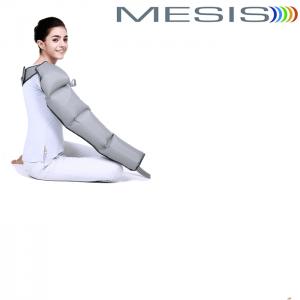Il bracciale a 4 camere di gonfiaggio della pressoterapia estetica Xpress Beauty Mesis. Si utilizza da solo, alternando l'applicazione sulle braccia